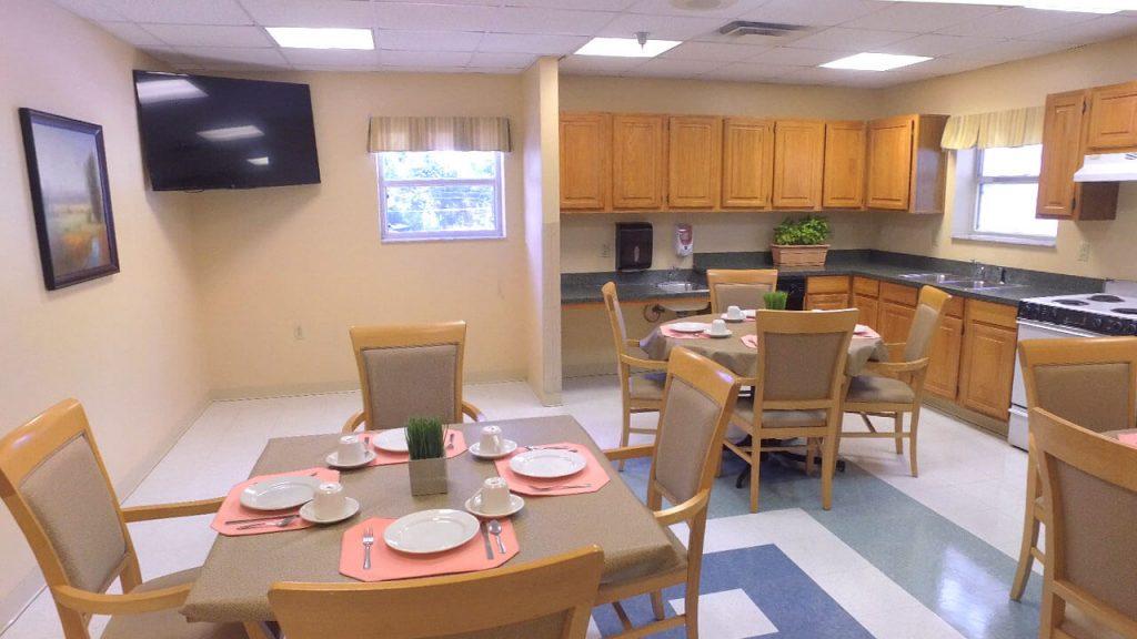 alpine-health-dining-room-02