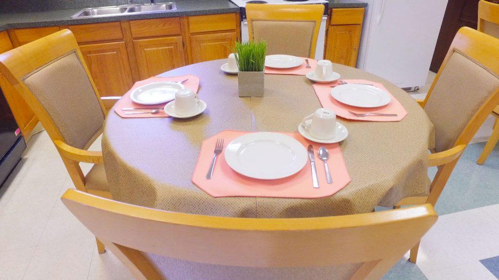 alpine-health-dining-room-04